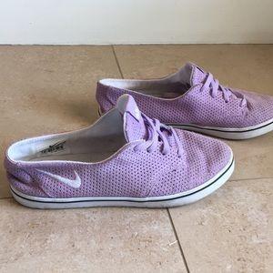 Nike slip on